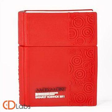 Флешка в форме книги красного цвета