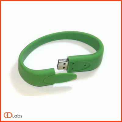 Зеленая силиконовая флешка в форме браслета